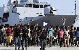 Italy cứu sống 750 người di cư ở eo biển Sicily