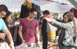 Người dân Hà Nội đi chợ phiên để làm từ thiện