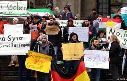 Hàng nghìn người biểu tình rầm rộ phản đối phân biệt chủng tộc tại Đức