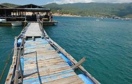 Nhà hàng nổi ở Ninh Thuận bị chìm, hàng trăm du khách gặp nạn