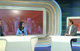 Gặp nhà báo đưa tin về 9 Đại hội Đảng