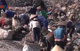 Bà Rịa - Vũng Tàu: Người dân nhọc nhằn mưu sinh trên bãi rác