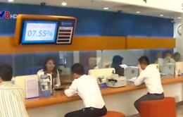 Các ngân hàng tiếp tục cuộc đua lãi suất