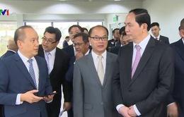 Chủ tịch nước thăm Nhà máy Khí hóa lỏng Brunei LNG