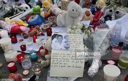 Vụ tấn công khủng bố tại Nice: Đau thương vẫn bao trùm nước Pháp