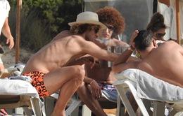 """Fellaini ngang nhiên """"vẽ khói"""", Mourinho nóng mặt?"""