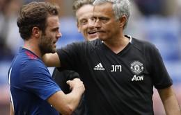 """Mourinho """"gật đầu"""" với Mata: Cơ hội không thiếu, chủ yếu phải """"ngoan"""""""