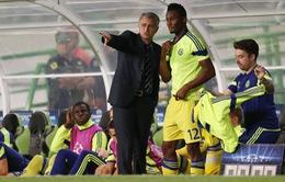 Man Utd thủ kém, Mourinho mua gấp trò cũ ở Chelsea