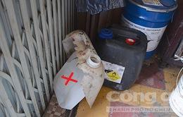 Nổ can axit ở chợ hóa chất Kim Biên, 4 người bỏng nặng