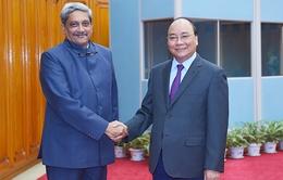 Thủ tướng tiếp Bộ trưởng Quốc phòng Ấn Độ