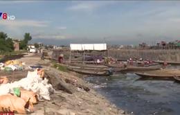 TT-Huế: Rác thải gây ô nhiễm khu cảnh quan Đầm Chuồn