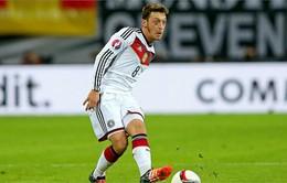Mesut Ozil giành giải Cầu thủ Đức xuất sắc nhất năm