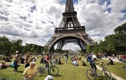 Du lịch Paris thiệt hại nặng trong nửa đầu năm 2016
