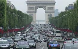 Paris (Pháp) miễn phí giao thông công cộng để giảm ô nhiễm