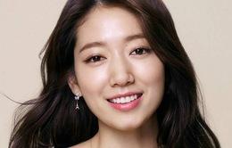 Park Shin Hye được khen ngợi vì sự tốt bụng