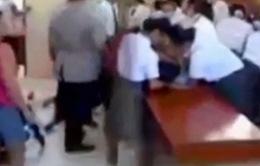 Gần 100 học sinh bị co giật, nôn mửa và ngất xỉu kỳ lạ