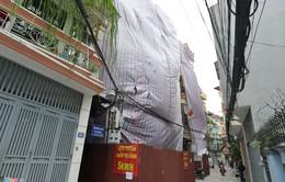Hà Nội: Tháo dỡ 4 căn nhà nghiêng
