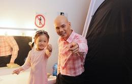 """Con gái Phan Đinh Tùng siêu đáng yêu trong """"Sài Gòn đêm thứ 7"""""""