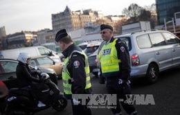 Pháp đề xuất kéo dài tình trạng khẩn cấp sau bầu cử tổng thống 2017
