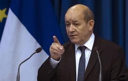 Pháp không kích các cơ sở dầu mỏ của IS