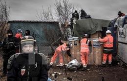 Pháp hoàn tất dỡ bỏ khu tị nạn Calais