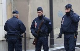 Pháp triển khai 96.000 cảnh sát đảm bảo an ninh cho năm mới