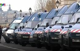 IS lên kế hoạch tấn công Paris từ xa