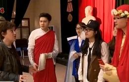 Sinh viên Việt Nam trau dồi tiếng Pháp thông qua diễn kịch
