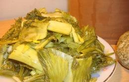 Đà Nẵng: Sau măng tươi, dưa cải cũng bị nhuộm vàng ô