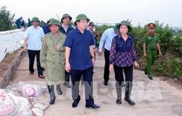 Phó Thủ tướng Trịnh Đình Dũng kiểm tra công tác phòng chống bão số 7