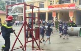 Rèn luyện kỹ năng phòng, chống cháy nổ cho trẻ em