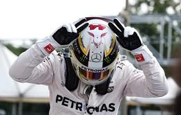 Lewis Hamilton sánh ngang kỷ lục của Ayrton Senna trên đường đua F1