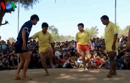 """Chinlone - """"Bóng đá đường phố"""" của người Myanmar"""