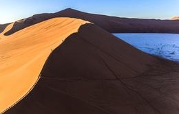 Khó tin với vẻ đẹp bất tận của cồn cát ở Namibia