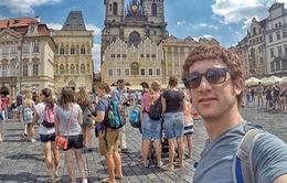 Phượt thủ 25 tuổi chia sẻ kinh nghiệm tới 70 nước