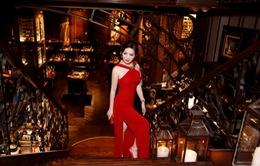 Giáng My diện váy đỏ rực 'lấn át' cả dàn thí sinh