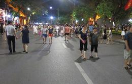 Phố đi bộ Hà Nội: Lắng đọng không gian, tràn đầy cảm xúc