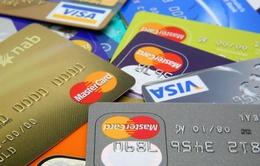 Các hãng phát hành thẻ bị kiện vì bắt người dùng chuyển sang thẻ chíp