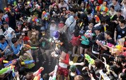 Xua tan cái nóng mùa hè với lễ hội súng nước tại Hàn Quốc
