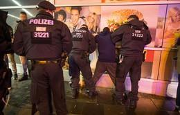 Đức bắt giữ hai đối tượng gây bạo động ở Cologne