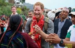 Hoàng tử Harry được chào đón nhiệt tình tại Nepal