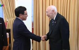 Phó Thủ tướng Phạm Bình Minh tiếp nguyên Phó Thủ tướng Ngoại giao Thái Lan
