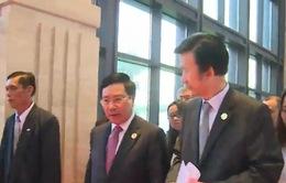 Phó Thủ tướng Phạm Bình Minh hội kiến Bộ trưởng Ngoại giao các nước