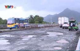 Khánh Hòa: Nhiều điểm hư hỏng trên QL1A do mưa lớn