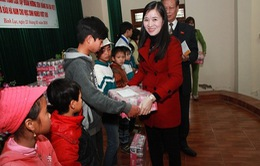 Trao 100 suất quà cho học sinh khó khăn tại Hà Nam
