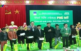 Nhiều phần quà Tết được trao cho hộ nghèo tỉnh Quảng Bình