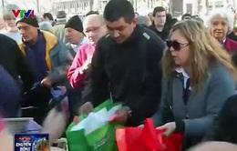 Argentina: Phát miễn phí 10.000 kg hoa quả vì thua lỗ