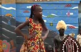 Ngôi trường chắp cánh ước mơ thiết kế thời trang cho trẻ em nghèo ở Kenya