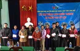Công đoàn Đài THVN trao quà ủng hộ đồng bào miền Trung bị lũ lụt