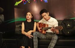 Hoán đổi: Quang Đăng tình cảm đệm đàn cho Hương Giang Idol